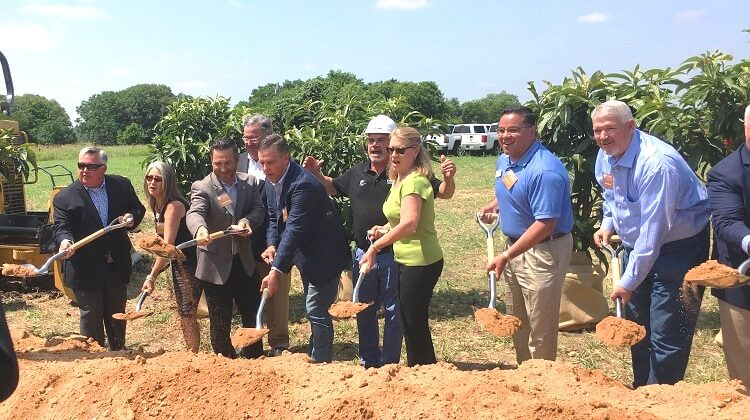 Kalahari Resorts Officially Breaks Ground